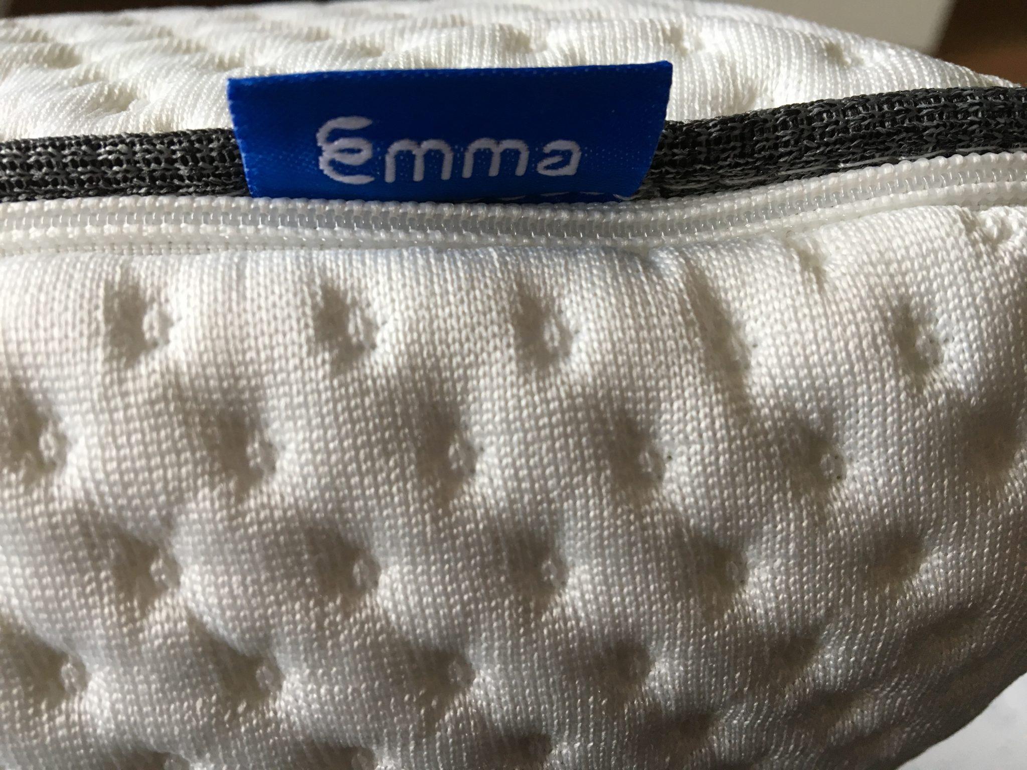 emma kissen etikett optimales das beste kopfkissen f r dich. Black Bedroom Furniture Sets. Home Design Ideas